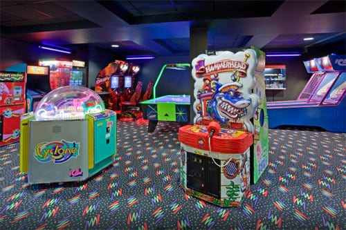 Brainerd MN Arcade at the Holiday Inn Express Hotel Game Room